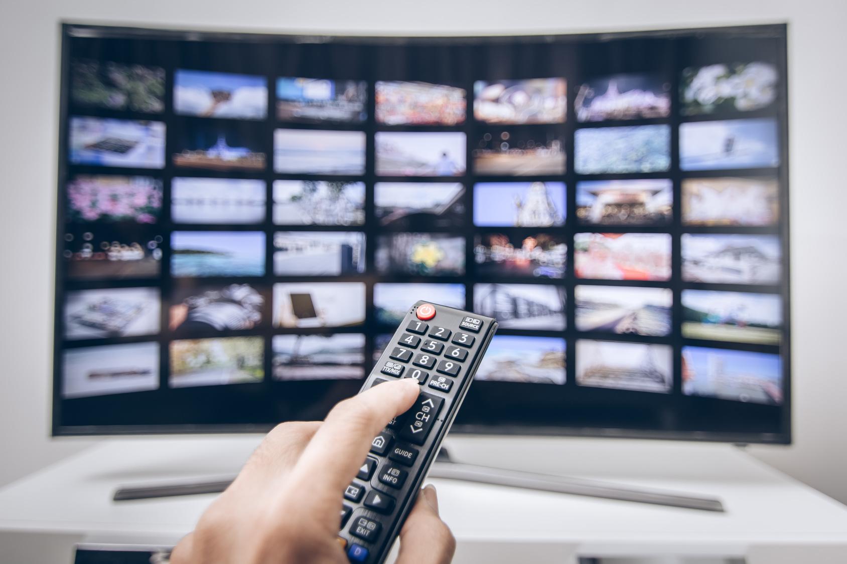 Jak zmienić zwykły telewizor w SMART TV?