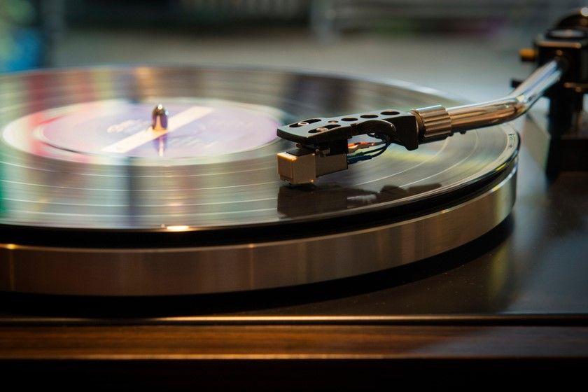 Z miłości do muzyki. Jaki gramofon kupić?