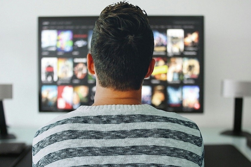 Błyskawiczny poradnik: jak podłączyć telefon do telewizora?