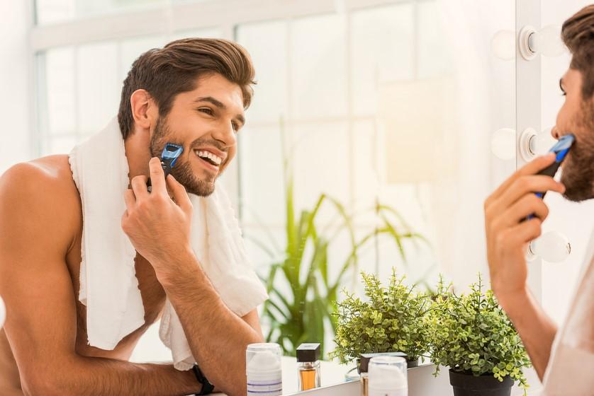 Jak wybrać tę jedyną? Męska rzecz – elektryczna maszynka do golenia dla panów.