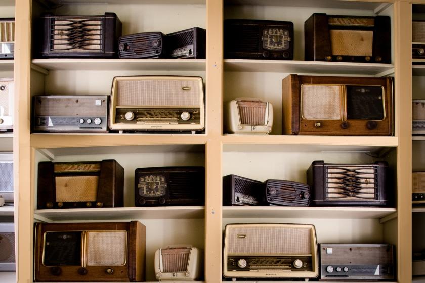 radioodbiorniki na szafce