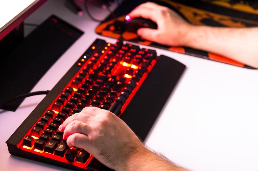 czerwona klawiatura